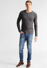 Pier One - Maglietta a manica lunga - dark grey melange - 1