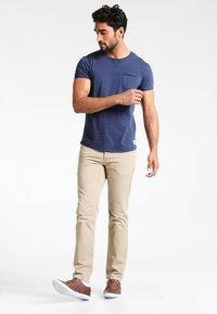 Pier One - Basic T-shirt - navy - 1
