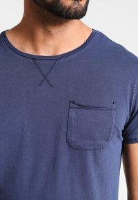 Pier One - Basic T-shirt - navy - 3
