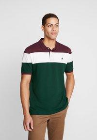 Pier One - Koszulka polo - bordeaux/dark green - 0