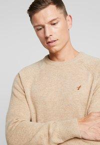 Pier One - Stickad tröja - camel - 3