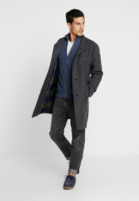 Pier One - Gilet - mottled dark blue - 1