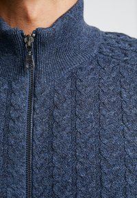 Pier One - Gilet - mottled dark blue - 5