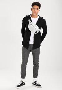 Pier One - Cardigan - solid black - 1