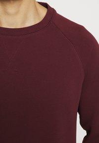 Pier One - 2 PACK - Sweatshirt - dark blue/bordeaux - 4