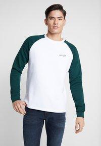 Pier One - Sweatshirt - white/dark green - 0
