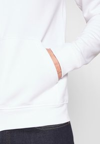 Pier One - Zip-up hoodie - white - 5