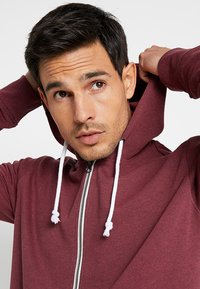 Pier One - Zip-up hoodie - mottled dark red - 3