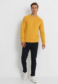 Pier One - Sweatshirt - yellow - 1