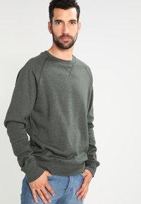 Pier One - Sweatshirt - khaki - 0