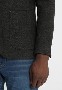 Pier One - Blazer jacket - mottled dark green - 4