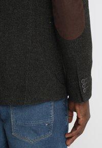 Pier One - Blazer jacket - mottled dark green - 6