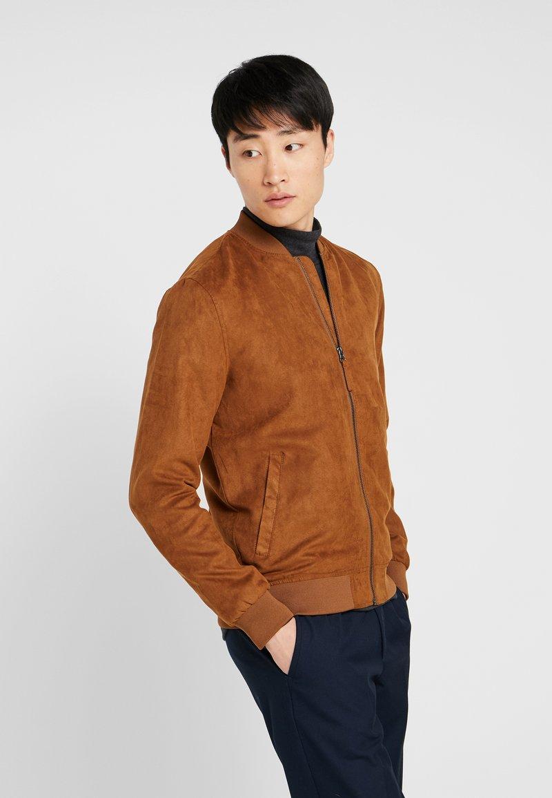 Pier One - Imiteret læderjakke - brown