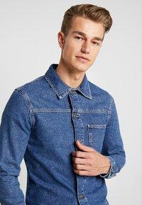 Pier One - Kurtka jeansowa - blue denim - 4