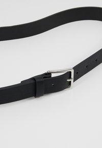 Pier One - UNISEX 2 PACK - Cinturón - black/cognac - 4