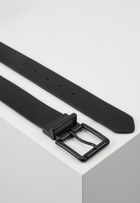 Pier One - Belt - black/cognac - 2