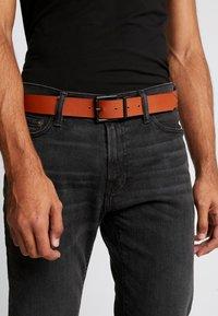 Pier One - Belt - black/cognac - 1