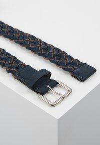 Pier One - UNISEX - Belt - dark blue/cognac - 2