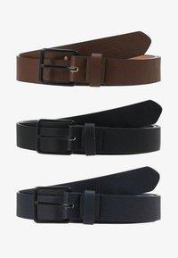 dark blue/black/brown