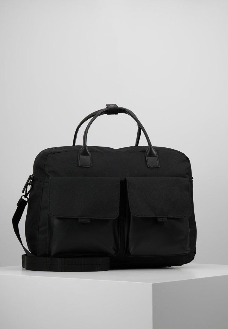 Pier One - Weekend bag - black