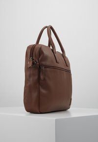 Pier One - Attachetasker - brown