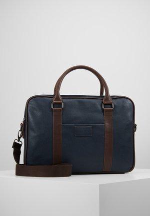 Attachetasker - dark blue/brown