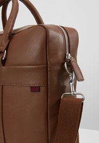 Pier One - LEATHER - Briefcase - brown - 6