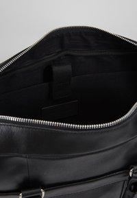 Pier One - LEATHER - Briefcase - black - 4
