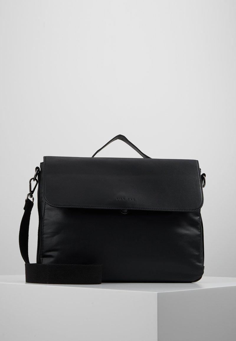 Pier One - Mallette - black