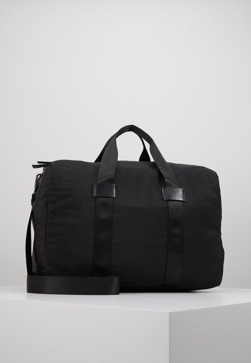 Pier One - Weekender - black