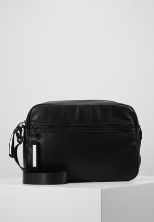 Across body bag - black