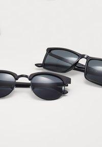 Pier One - 2 PACK - Sunglasses - black - 2