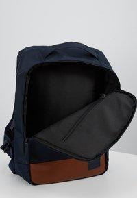 Pier One - Batoh - dark blue/ brown - 4