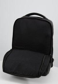 Pier One - Batoh - black - 5