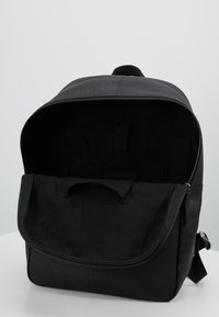Pier One - LEATHER - Mochila - black - 4