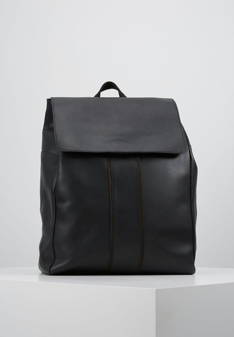 Pier One - UNISEX LEATHER - Tagesrucksack - black