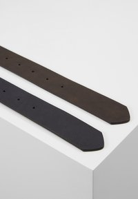 Pier One - UNISEX 2 PACK - Belt - dark blue/brown - 4