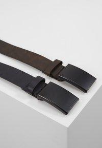 Pier One - UNISEX 2 PACK - Belt - dark blue/brown - 3