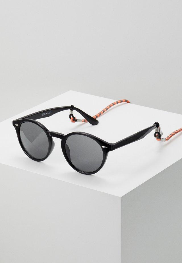 Set mit Brillenkette - Sonnenbrille - black