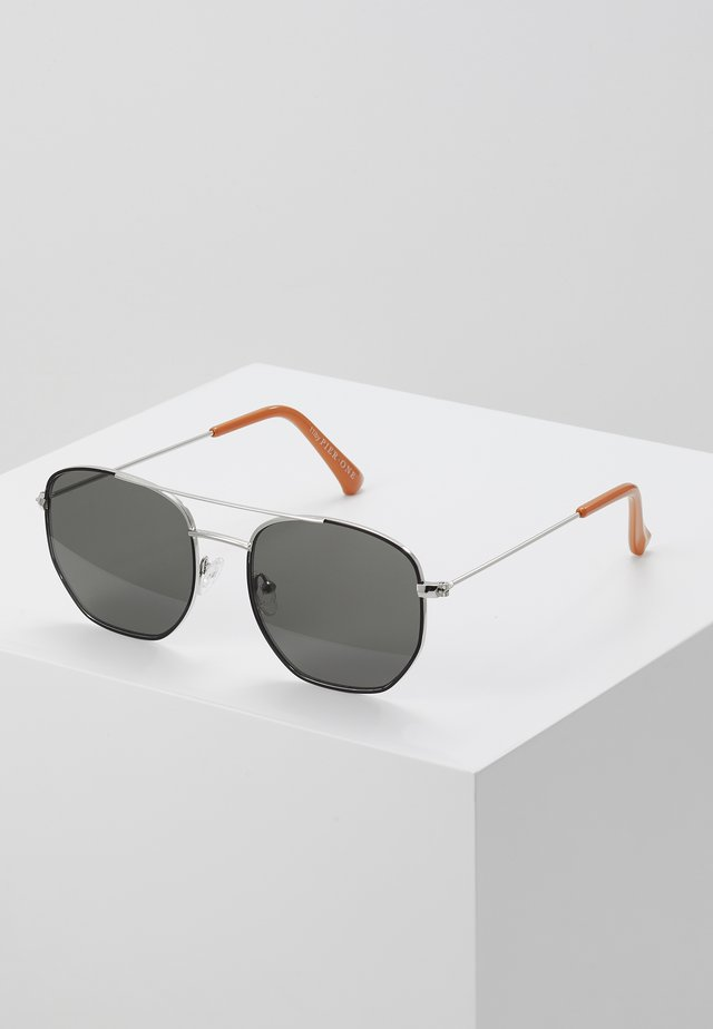 UNISEX - Sunglasses - silver