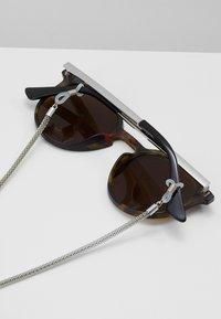 Pier One - SET mit Brillenkette - Sunglasses - brown - 4