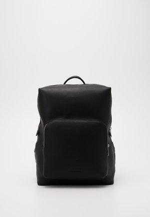 Batoh - black