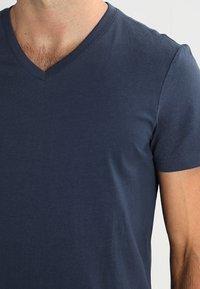 Pier One - 3 PACK - T-shirts basic - dark blue - 4