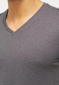 Pier One - 2 PACK - T-shirts basic - dark grey melange - 4