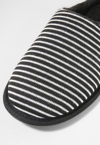 Pier One - Pantoffels - black/grey - 5
