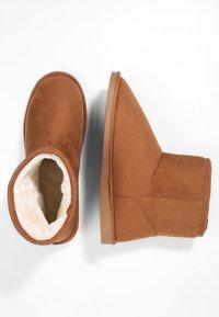 Pier One - Domácí obuv - brown - 1