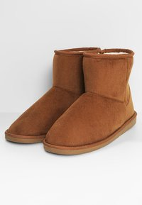 Pier One - Domácí obuv - brown - 2