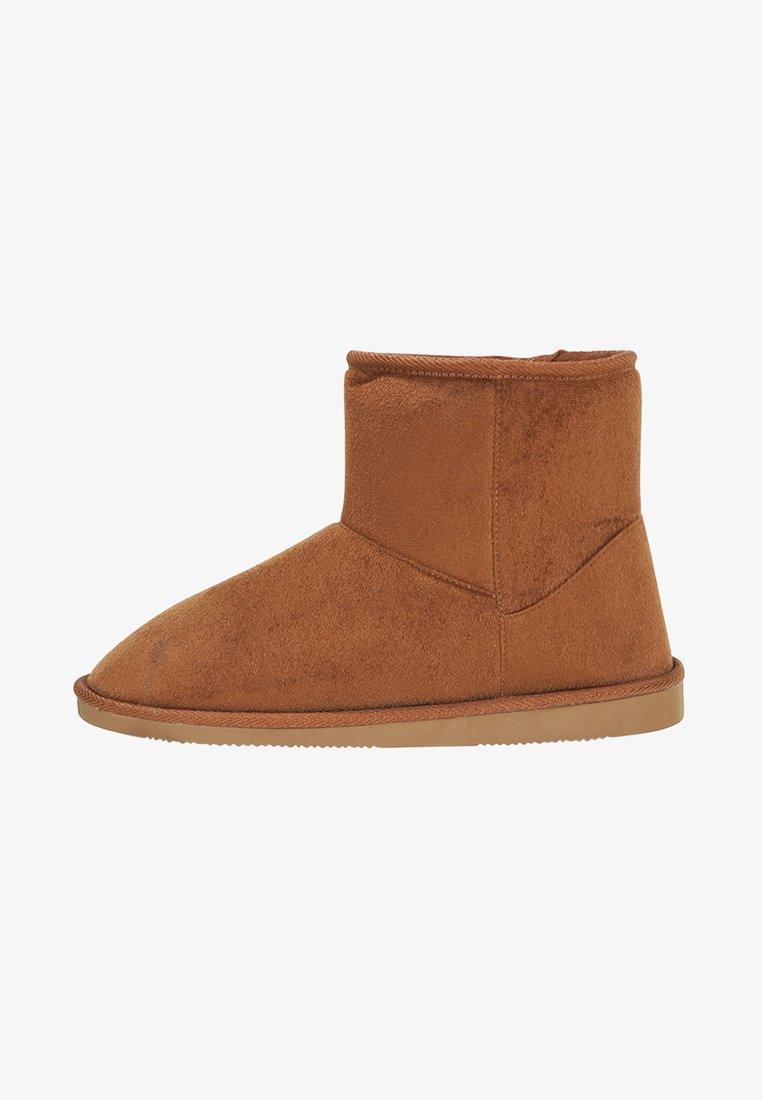 Pier One - Domácí obuv - brown