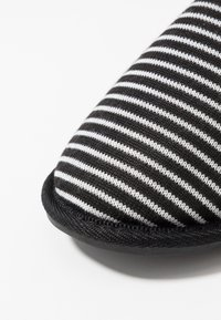 Pier One - Chaussons - black - 5