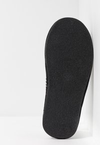 Pier One - Chaussons - black - 4